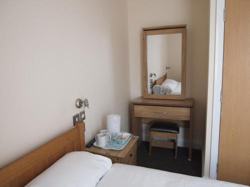 Earls Court Garden Hotel picture 1 of 50
