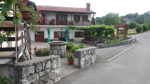 Accommodation in Divača