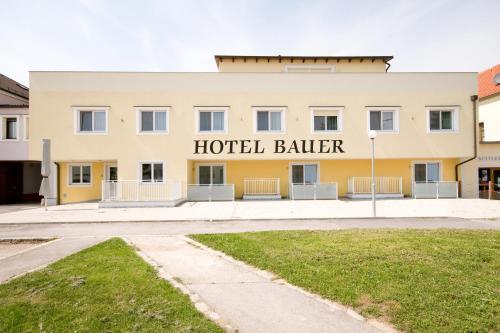 Hotel Bauer - Rauchenwarth
