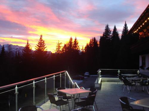 Alpenhotel Ratsberg 1650m - Hotel - Dobbiaco