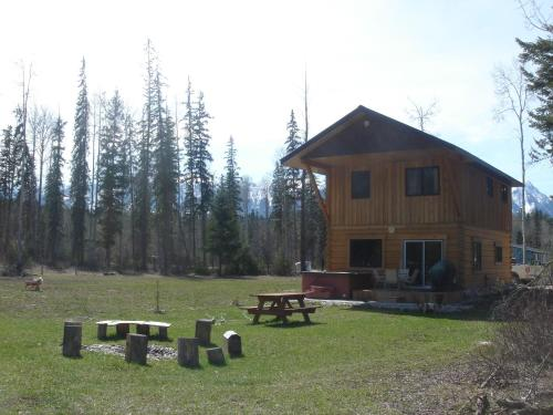 Kicking Horse Kabins (Bed and Breakfast)