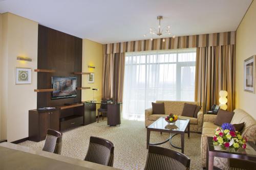 Time oak hotel suites 4 оаэ дубай недвижимость черногория цены