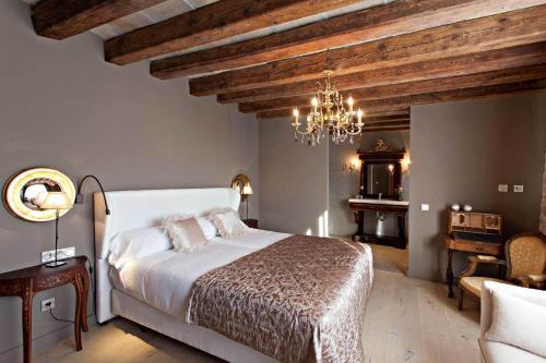 Superior Room La Vella Farga Hotel 10