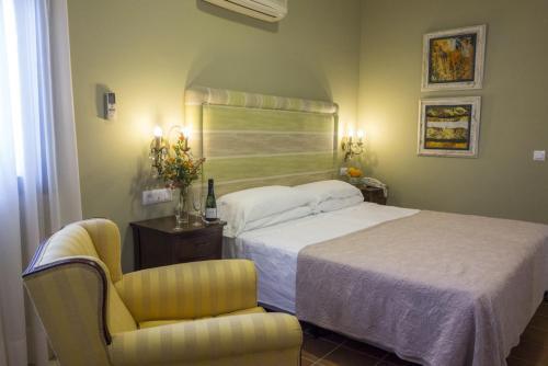 Economy Double or Twin Room Hotel Sindhura 5