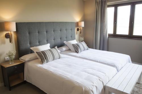Double or Twin Room Hotel Mas De Cebrian 15