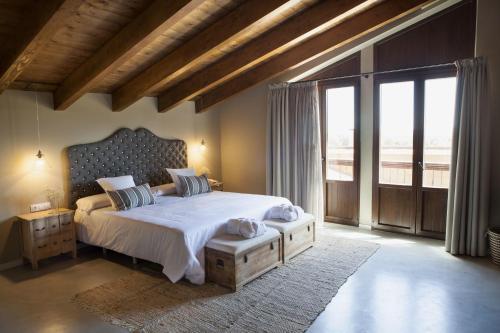 Suite Junior con terraza Hotel Mas De Cebrian 44