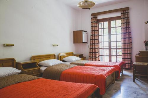 Single Bed in Female Dormitory Room with Balcony