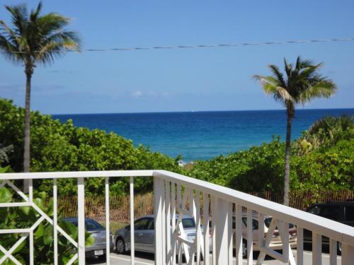 Getaways At Dover House Resort - Delray Beach, FL 33483