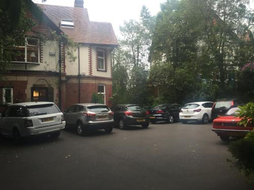 . Oakfield Lodge Guest House Stockport