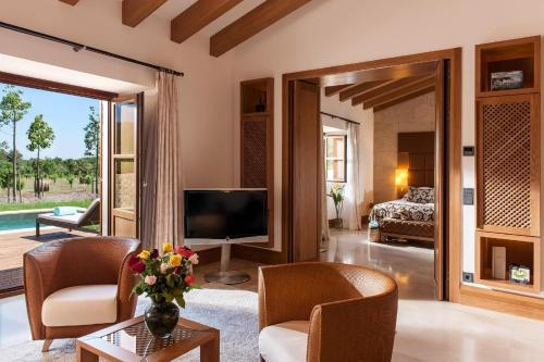 Suite con piscina privada Castell Son Claret - The Leading Hotels of the World 8
