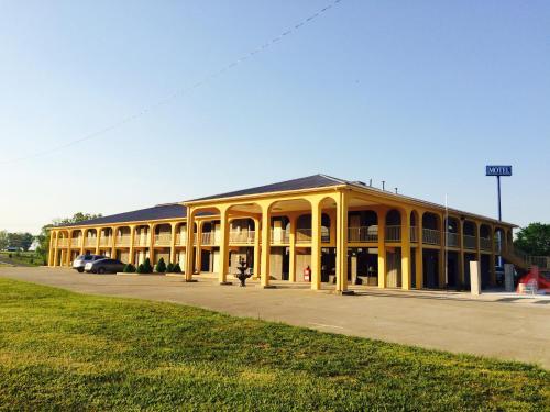 Executive Inn Scottsville - Scottsville, KY 42164