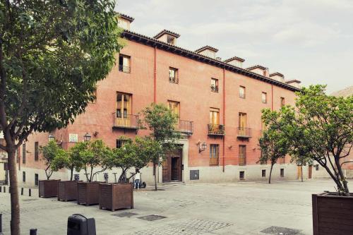 Plaza del Conde de Miranda, 1, 28005 Madrid, Spain.