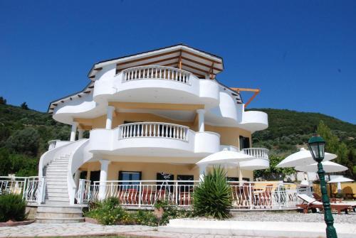 . Villa Alex