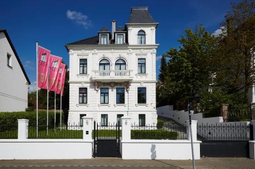 Boutique Hotel Villa am Ruhrufer Golf&Spa - Mülheim an der Ruhr
