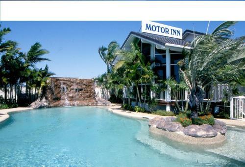 . Runaway Bay Motor Inn