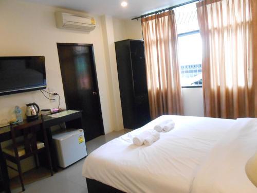 The Bang Khun Phrom Suites impression