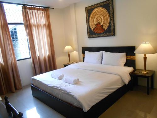 The Bang Khun Phrom Suites photo 2