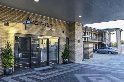 . Astro Dish Motor Inn
