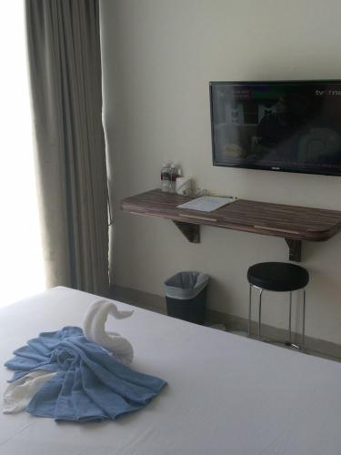 72 Hotel photo 8