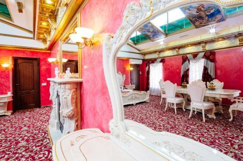 Отель Счастливый Пушкин Суперлюкс с гидромассажной ванной