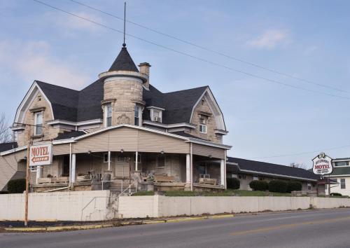 . Rosemount Motel