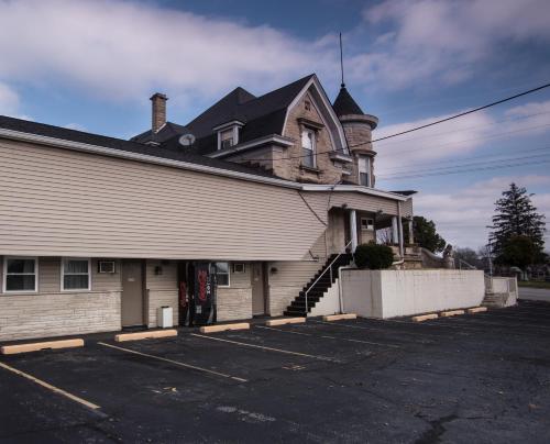 Rosemount Motel - Bedford, IN 47421