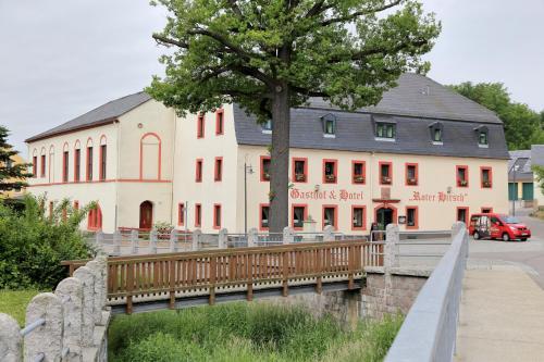 . Gasthof und Hotel Roter Hirsch