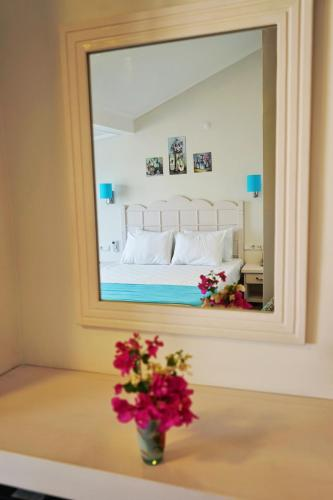 __{offers.Best_flights}__ Bora Hotel