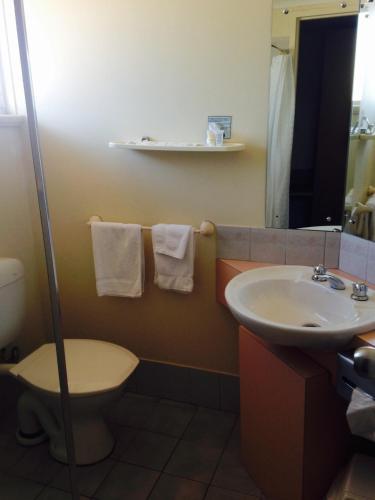 Фото отеля Roxby Downs Motor Inn
