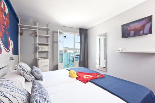 Andenes 5, Port Ibiza, Ibiza Town, Ibiza, Spain.