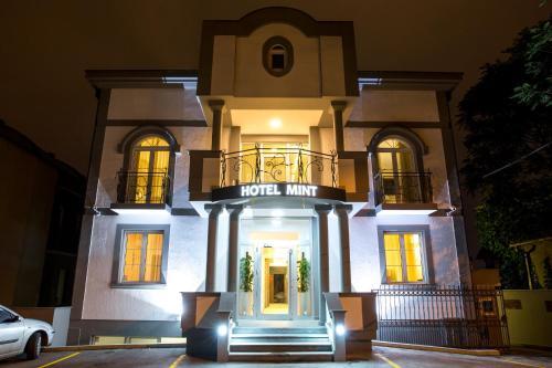 A Hotel Com Garni Hotel Mint Hotel Belgrade Serbia Price