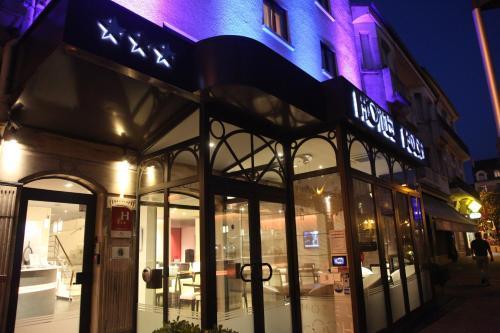 Hôtel Foch - Hotel - Tarbes