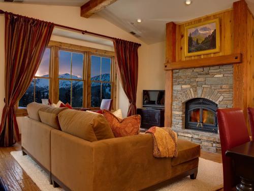 Snowcreek Resort - Accommodation - Mammoth Lakes