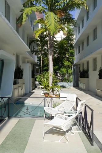 1111 Collins Avenue, Miami Beach, Florida, FL 33139, United States.