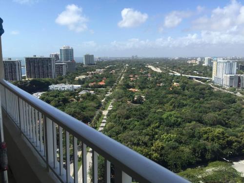 Miami 4Days - One Broadway - Miami, FL 33130