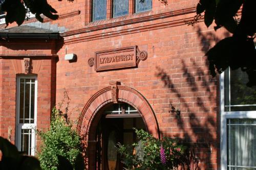 . Lyndonhurst Apartment