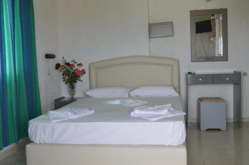 Kamar Double atau Twin dengan Pemandangan Laut (Double or Twin Room with Sea View)