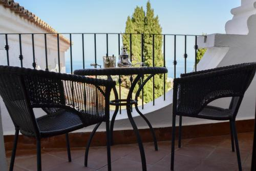 Double or Twin Room with Balcony and Sea View Hotel La Fonda 13