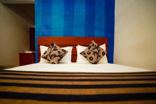 Airport City Hub Hotel room photos