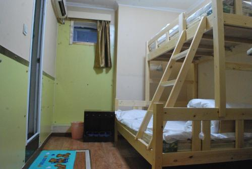 Beijing Sunrise Hostel Gulou Branch photo 10