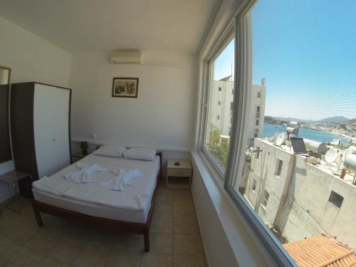 Cameră dublă standard cu vedere la mare (Standard Double Room with Sea View)