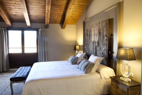Suite Junior con terraza Hotel Mas De Cebrian 17