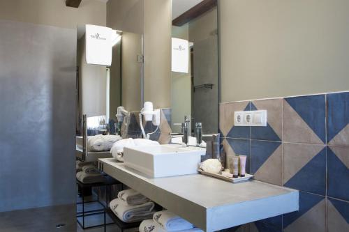Double or Twin Room Hotel Mas De Cebrian 13