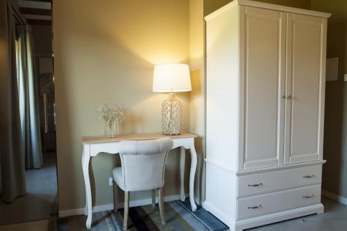 Double or Twin Room Hotel Mas De Cebrian 12