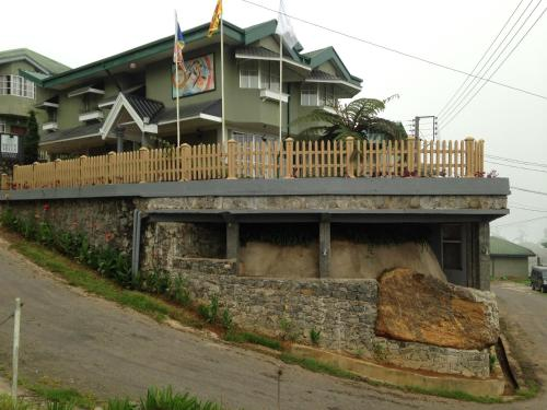 . Misty Hills Boutique Cottage