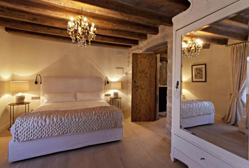 Double or Twin Room with Mountain View La Vella Farga Hotel 13