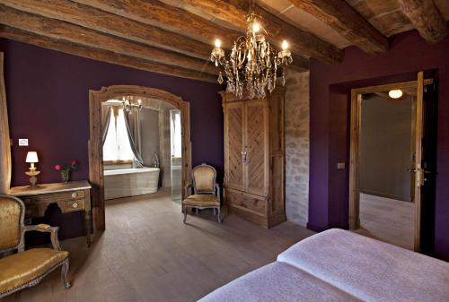 Double or Twin Room with Mountain View La Vella Farga Hotel 8
