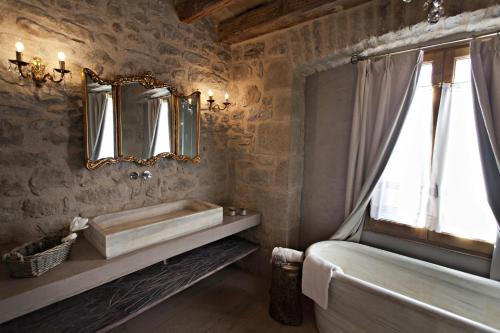 Double or Twin Room with Mountain View La Vella Farga Hotel 17