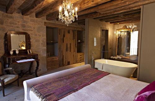 Superior Room La Vella Farga Hotel 34