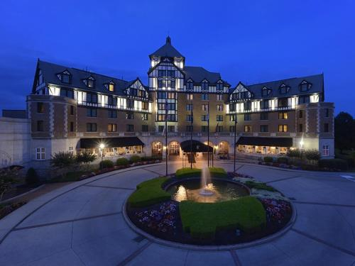 Hotel Roanoke&Conference Center, Curio Collection by Hilton - Roanoke